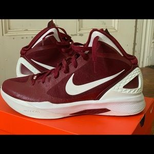 Nike Zoom Vomero basketball shoes